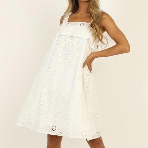 Eyelit White dress in size 14
